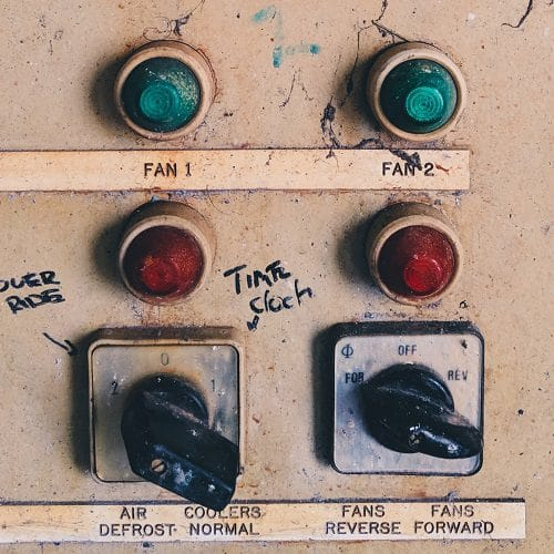 Thingsboard dashboard versus old dashboard with buttons